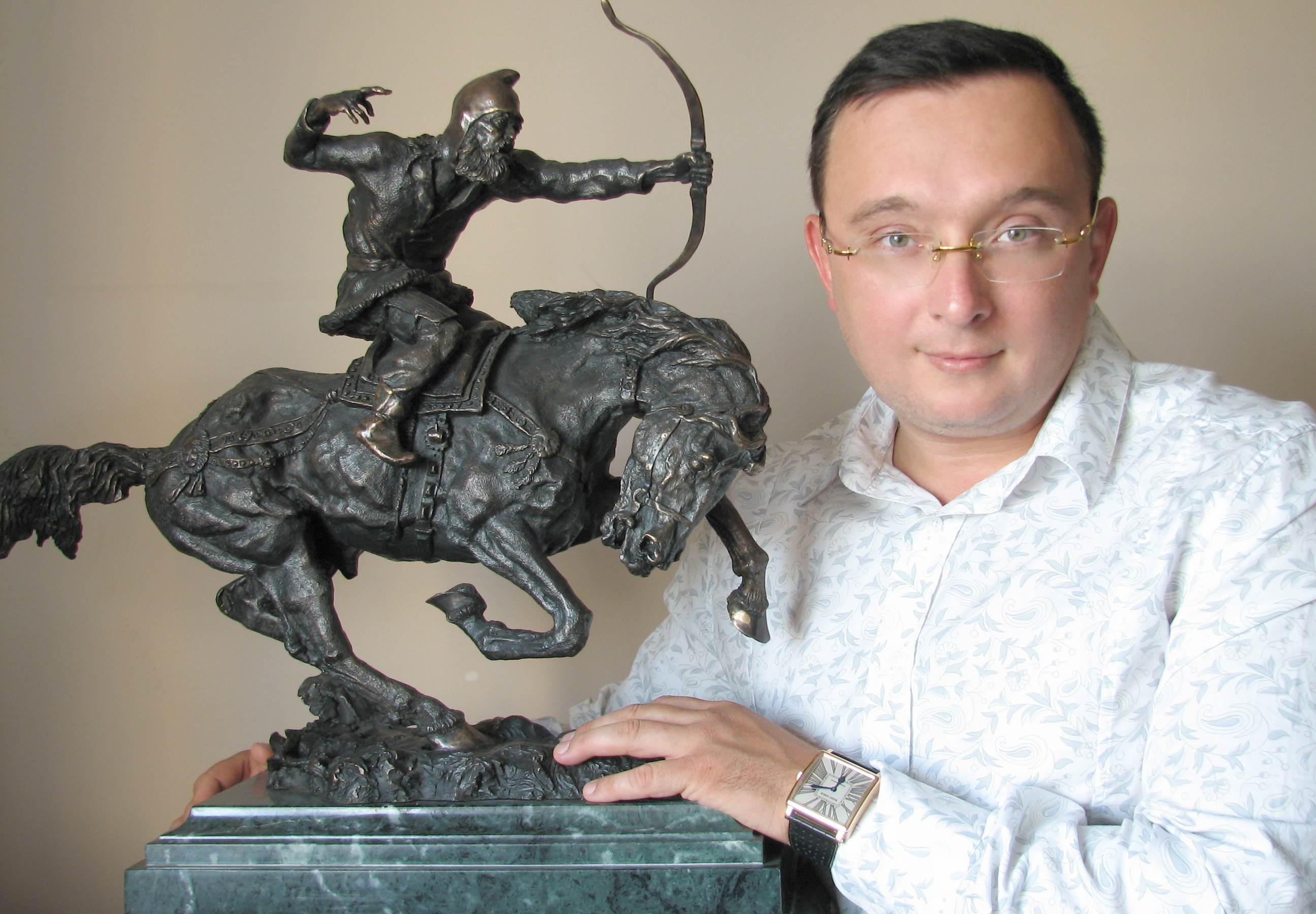 Oleg and Horseman sculpture